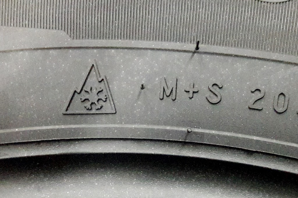 Маркировка M S на шине